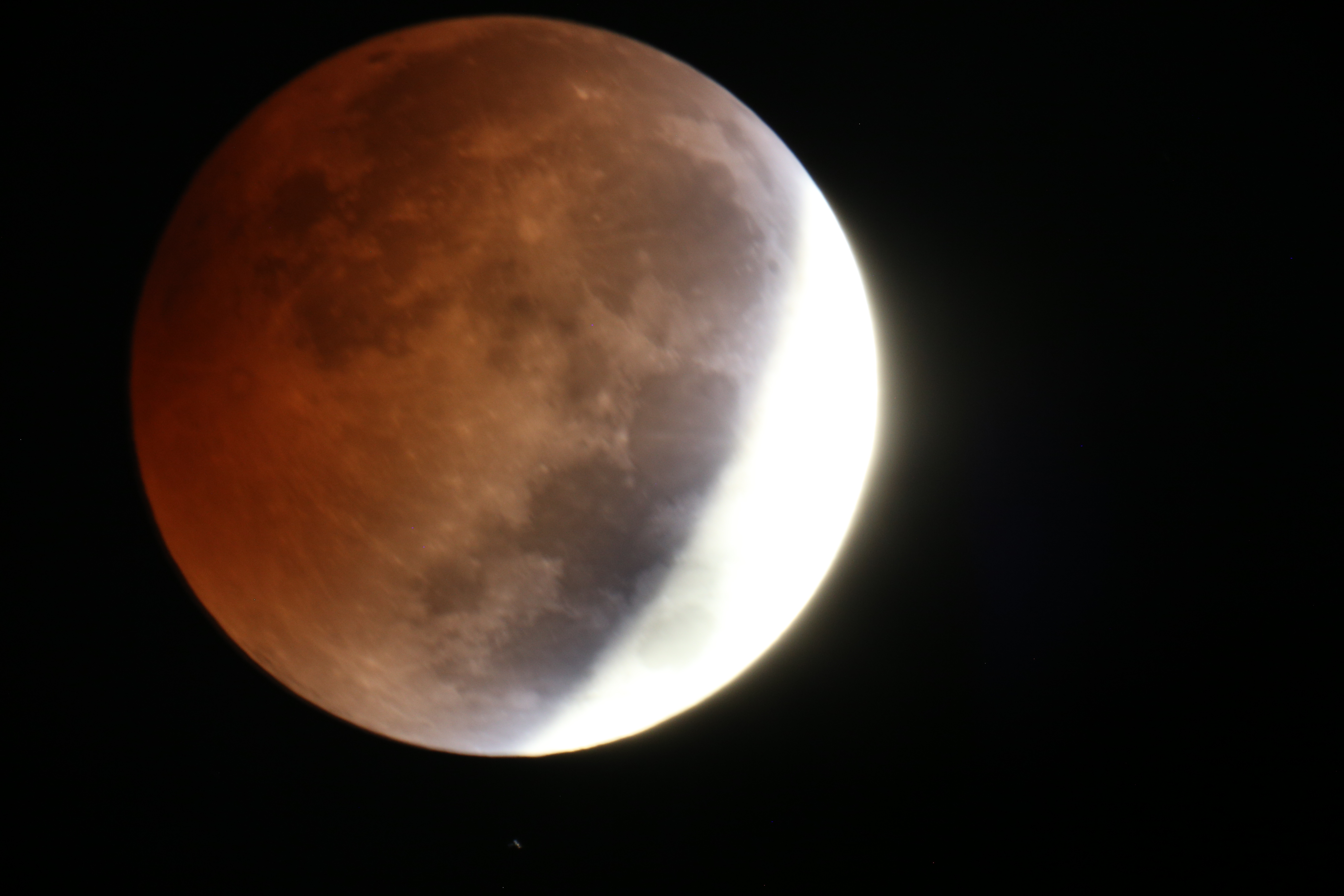blood-moon-large2-5959a68bc50693c3f22001ef81befdd16765e30e